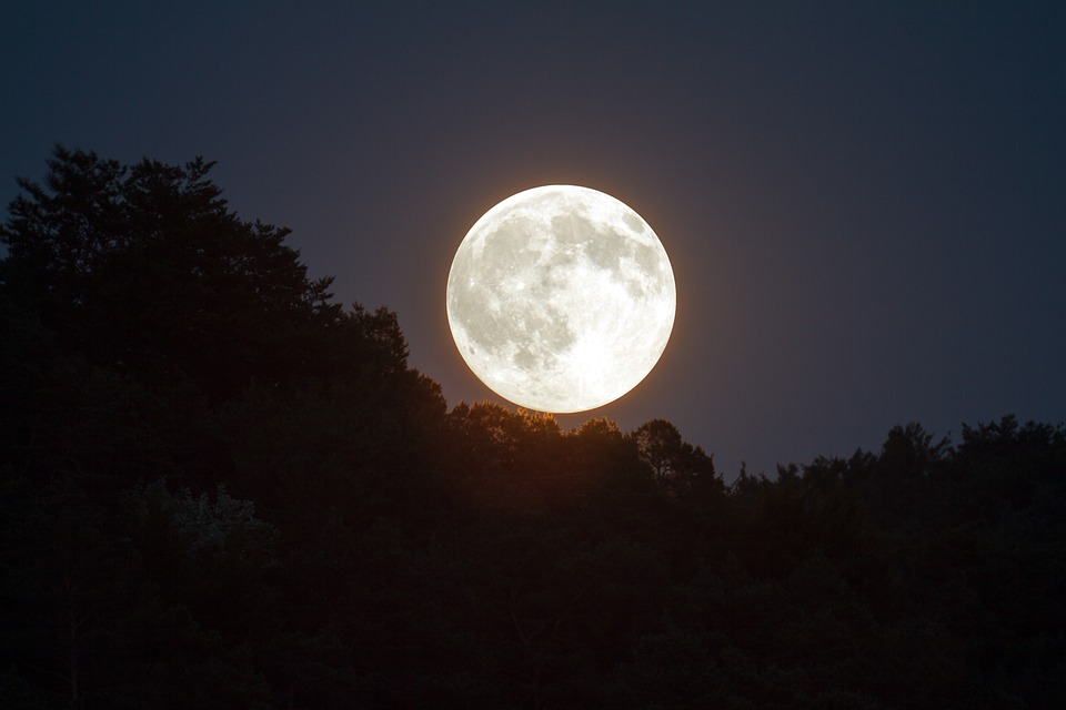 full-moon-1775764_960_720