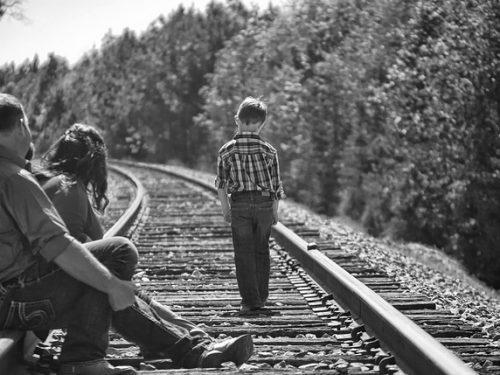 I genitori notano gli amici falsi prima di noi.